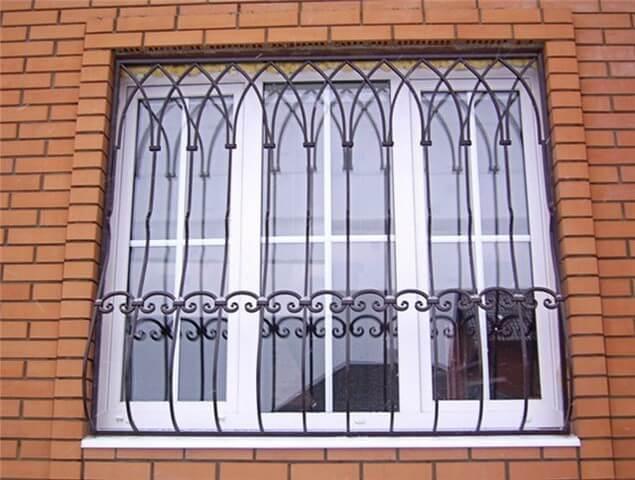 Железные решетки и окна